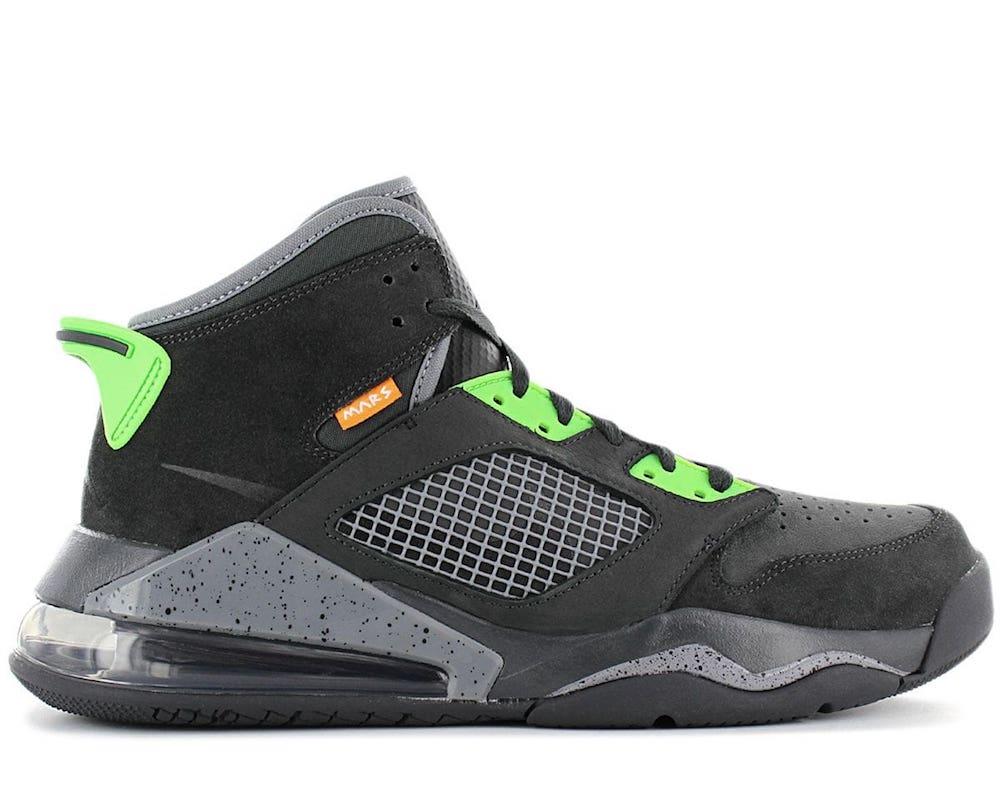 Jordan Mars 270 Sneakers